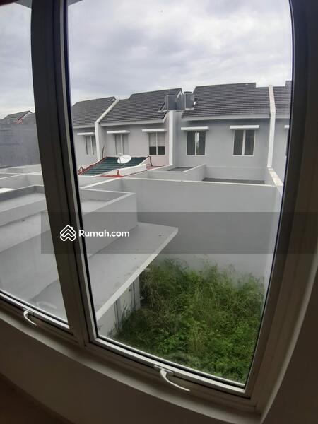 Dijual Rumah di Cluster Vasana Harapan Indah Bekasi #107692008