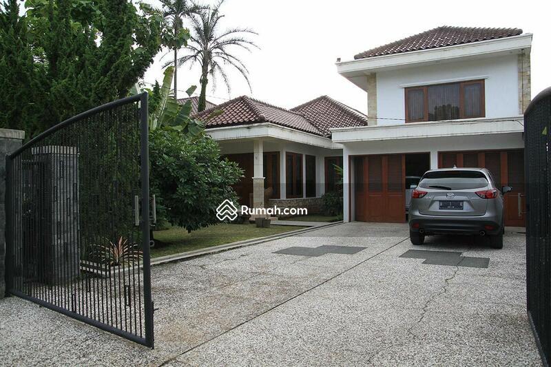 Jual Cepat !! Rumah Mewah di Lokasi Elit Taman Kencana Bogor #107743538