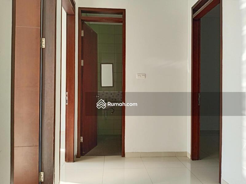 Di Sewakan Rumah Baru Siap Huni 4 Kamar di Mekar Wangi Bandung #108160352
