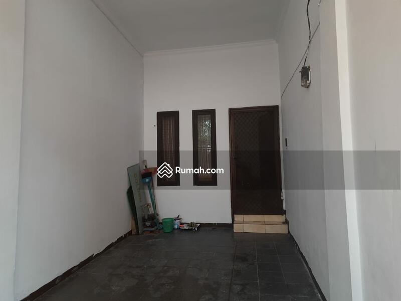 Jelambar #107785498