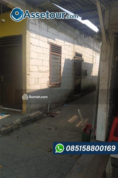 Rumah di Jatinegara Kaum #107841516