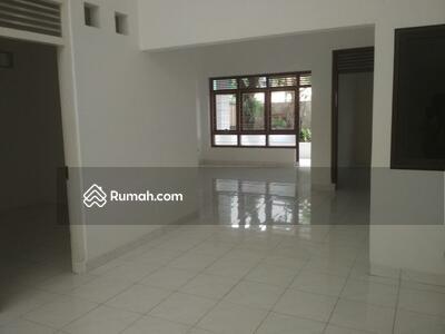 Disewa - Disewakan Rumah 6 Kamar Di Puloasem Jakarta Timur