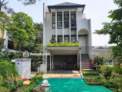 Dijual - Rumah 4+1 Kamar Tidur di BSD SERPONG Luas Bangunan 171m2 Dekat AEON DAN SMS MALL