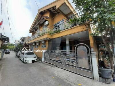 Dijual - Dijual Rumah Bagus 2 Lantai Hook di Pejuang Pratama