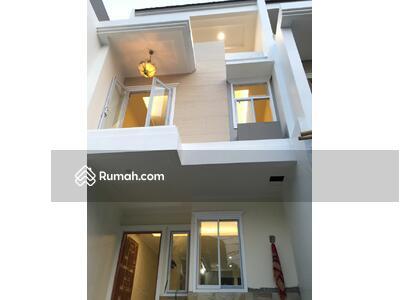 Dijual - Rumah Baru. 3 Lantai. Indent. Dkt Pasar Petojo. 4x16. =64. m2. Jalan 2 Mobil. Rp. 2. 6. M
