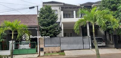 Dijual - 4 Bedrooms Vila Bsd, Tangerang, Banten