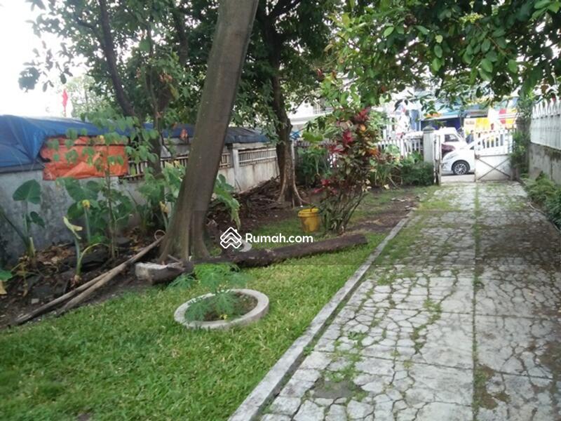 Rumah main road jl Riau cocok untuk usaha dan cafe #108450064
