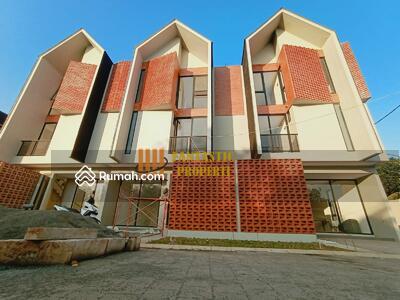 Dijual - Rumah di jual 3 Lantai Dibintaro dekat plaza dan stasiun
