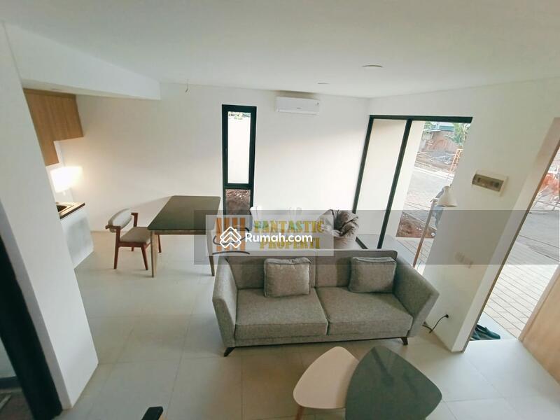 Rumah di jual 3 Lantai Dibintaro dekat plaza dan stasiun #108452998