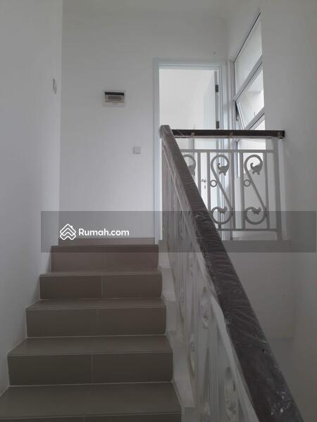 Rumah siap huni 2 Lantai 8x15 120m Type 3+1KT di Cluster Thames JGC Jakarta Garden City #108461692