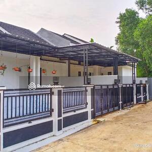 Dijual - Rumah BARU luas tanah 101 meter , 3 kamar , di Bekasi Kota Mustikajaya Bebas Banjir