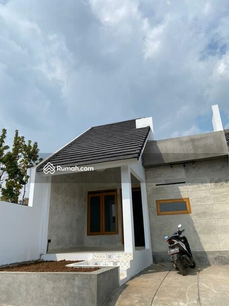 Dijual rumah siap huni,bangunan baru dengan konsep industrial dan vintage. #108478634