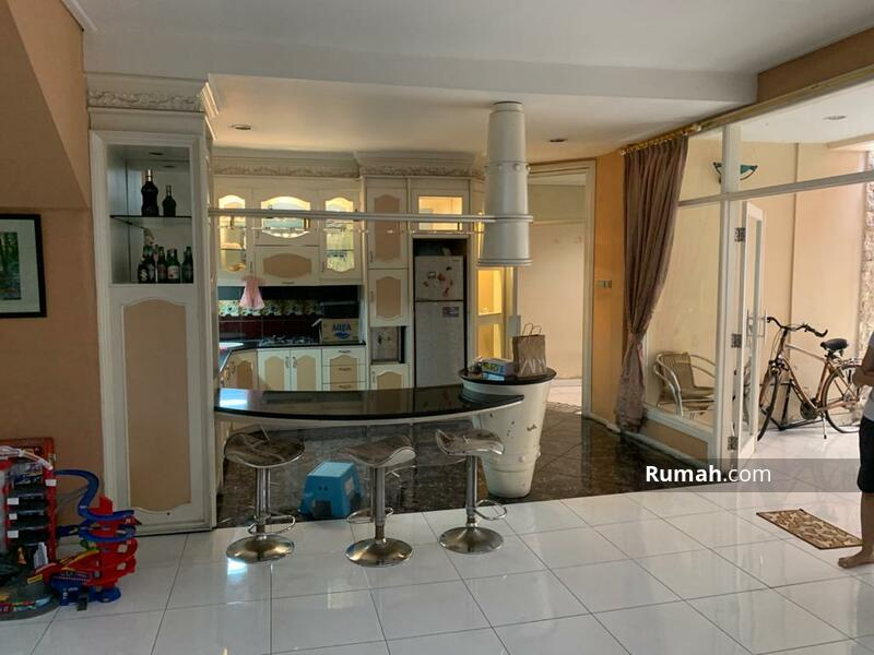 Rumah 2 lantai siap huni di Kamboja Tomang Jakarta barat #108528038