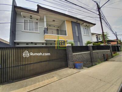 Dijual - Andre Tjhia Modern House 5 Menit dari Meruya Lokasi di Karang Tengah Akses 2 mobil