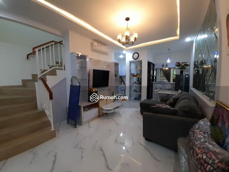Rumah 2 Lantai strategis dekat Cilandak town dan MRT #109642710