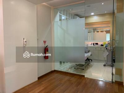 Dijual - bangunan komersil beauty clinic