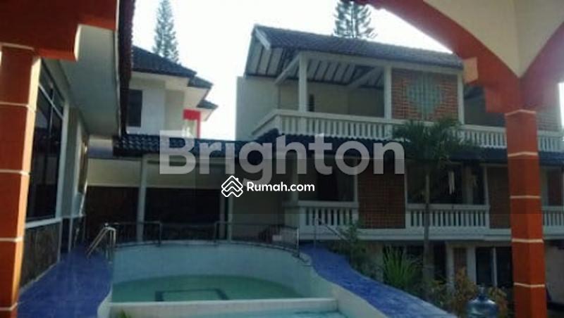 Dijual Villa Sekuti Pasuruan ada kolam renang #108725322