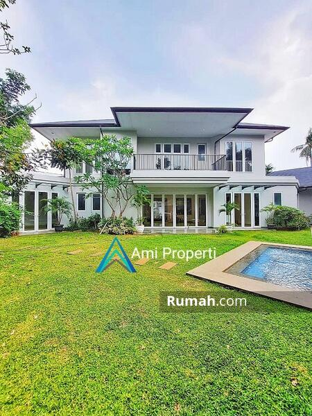 Kemang Luxury Tropical Modern House, S.Pool And Spacious Backyard #108818414
