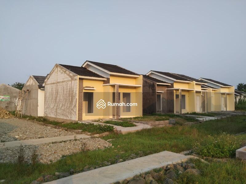 Rumah syariah #108826828
