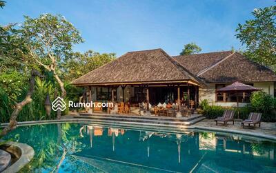Dijual - YN 014-Dijual gorgeouse villa 4 bedroom Riverside & Rice field View di pererenan canggu