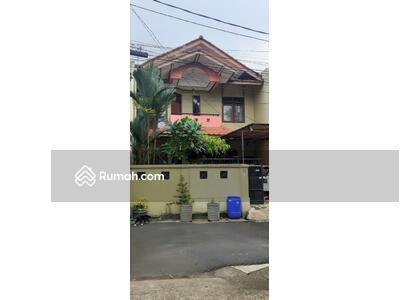 Disewa - 4 Bedrooms Rumah Duren Sawit, Jakarta Timur, DKI Jakarta