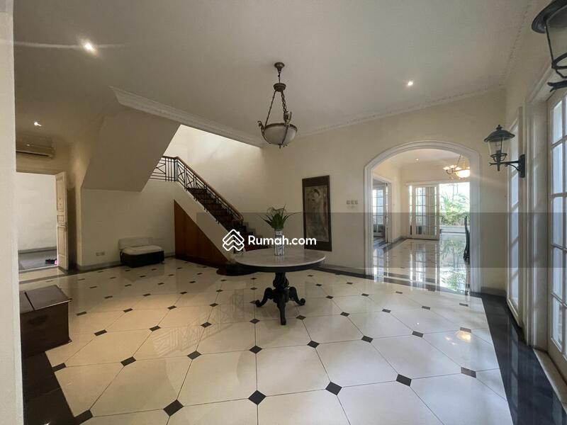 SALE !!! Rumah Cantik Dengan Private pool Di Pondok Indah Jakarta Selatan #108996038