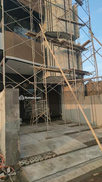 Dijual Rumah Minimalis Nyaman dan Elegan di Setraduta Grande Axia #109045342