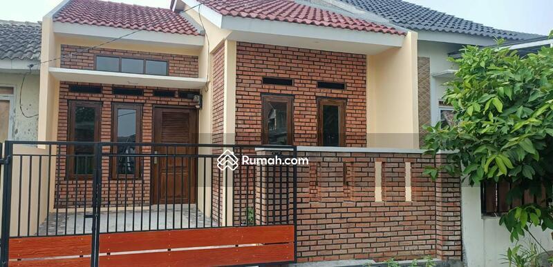 Rumah Desain Retro Classic Siap Huni di Citra Indah #109096764