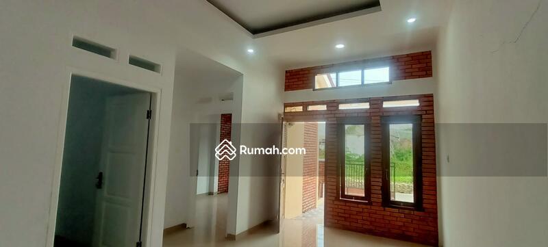 Rumah Desain Retro Classic Siap Huni di Citra Indah #109096770