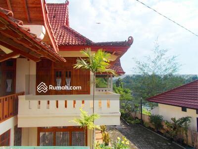 Disewa - Rumah disewakan bulanan full furnish 3 kamar di condongcatur