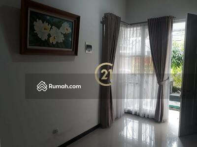 Disewa - Disewakan Rumah Furnished, dekat Undip, model cluster, lingkungan tenang dan nyaman, keamanan 24 jam