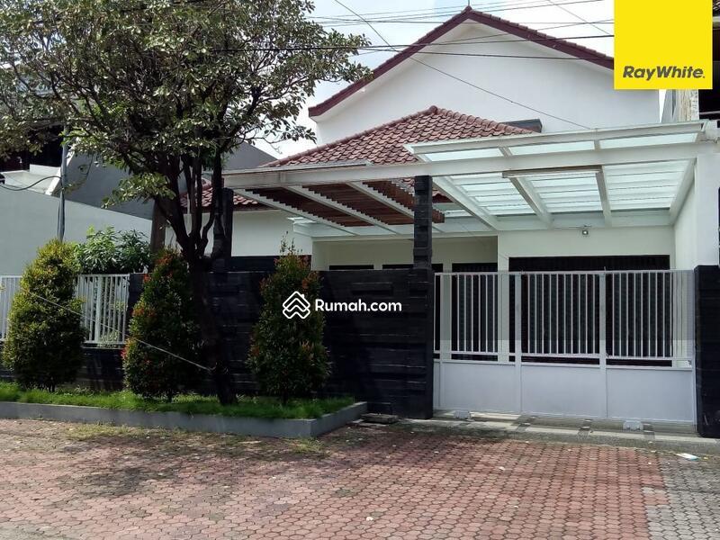 Disewakan Rumah 2 lantai di Jalan Jemursari, Surabaya #109203254