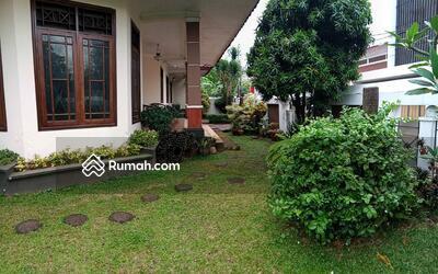 Dijual - Dijual rumah mewah luas terawat dekat tol jorr Bambu Apus Jakarta Timur