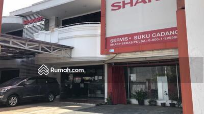 Disewa - Disewakan Rumah Usaha 2 lantai  di O Jalan Raya Pusat R. A. Kartini Surabaya.