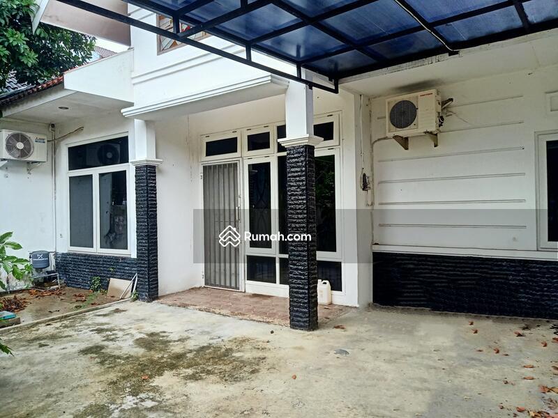 Disewakan rumah semi furnished Semarang atas #109237076