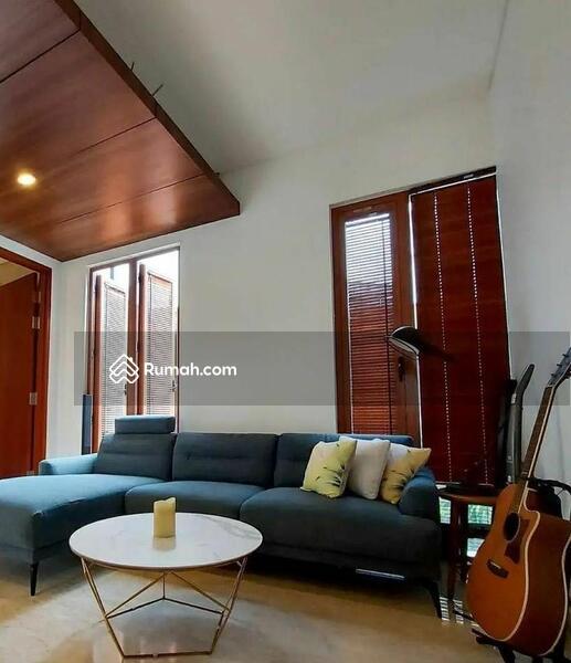 Rumah Mewah Modern Tropis #109261754