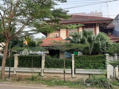 Disewa - 6 Bedrooms Rumah Duren Sawit, Jakarta Timur, DKI Jakarta