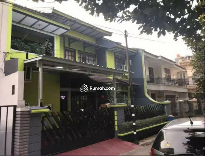 Dijual Rumah Luas di Tebet Akses Jalan dua mobil depan Taman Murah #109314208