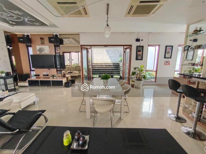 Rumah Modern minimalis #109341336