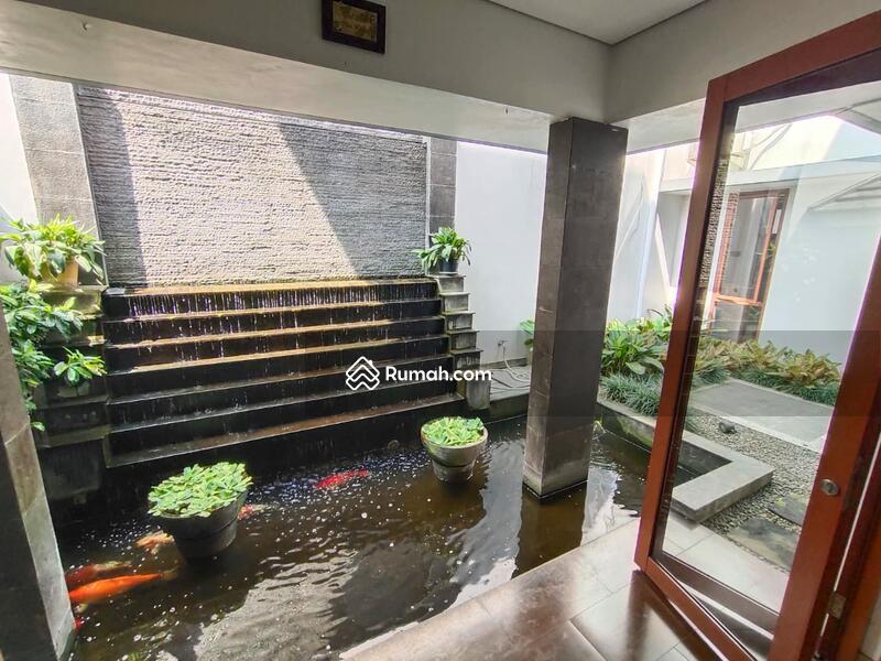 Rumah Modern minimalis #109341342