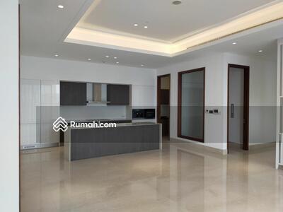 Disewa - Disewakan Best Price Apartment Mangkuluhur uk251m2 Unfurnish Siap Huni Brand New at Jakarta Selatan