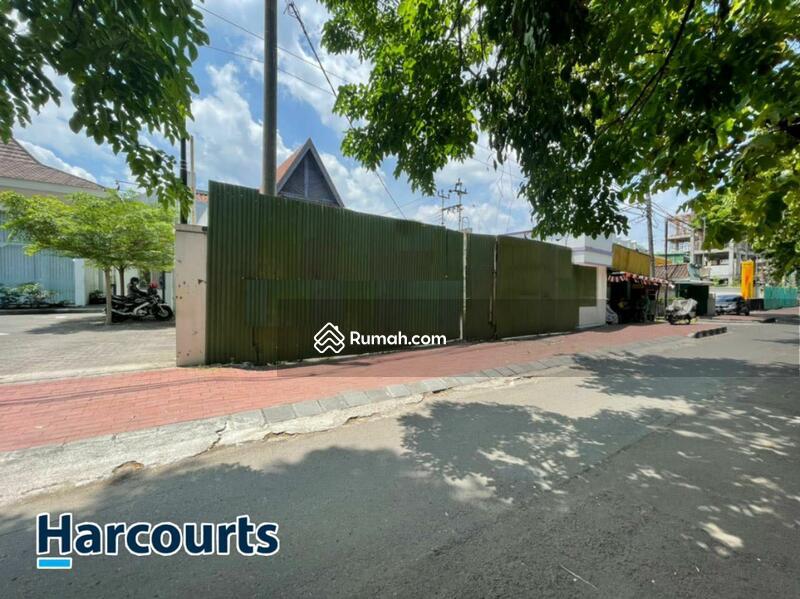 RUANG USAHA bekas BANK kawasan Premium di Jl. Slamet Riyadi, Solo #109352244