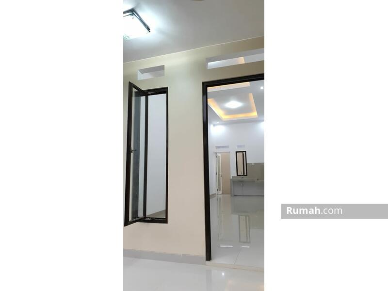 Rumah Baru Siap Huni di Cibubur Dekat Tol #109353860