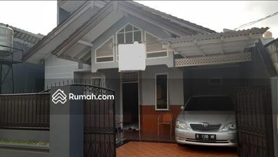 Dijual - Dijual rumah second 1. 5lt terawat luas murah di jatiwaringin bekasi