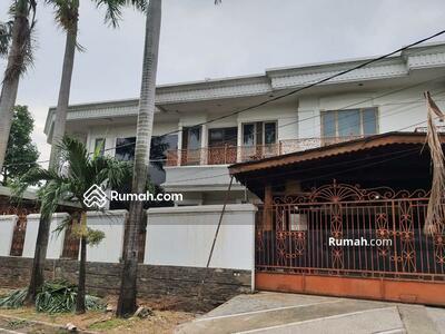 Dijual - Dijual Rumah Hoek Di Pulomas Barat Jakarta Timur