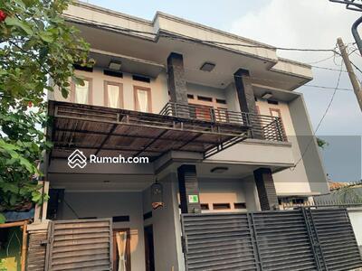 Dijual - rumah mewah 2, 5 lantai murah di kota bogor