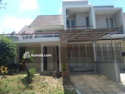Disewa - 4 Bedrooms Rumah Sambikerep, Surabaya, Jawa Timur