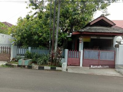 Dijual - Rumah di Pulo gebang permai di jalan utama, Jakarta timur
