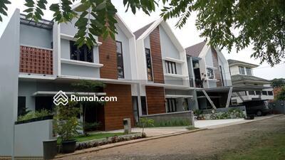 Dijual - Rumah Bagus Dan Cantik 2 lantai Free DP Dan Free Biaya KPR
