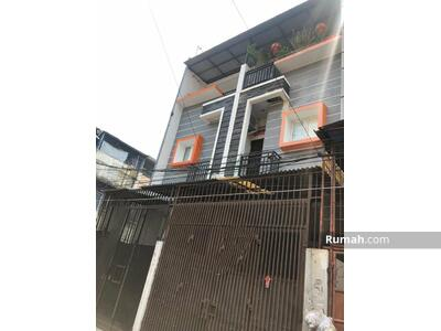 Dijual - rumah cantik jelambar 4x15m, hubungi yudi
